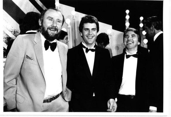 Bill Hunter, Mel Gibson & William Anderson at the AFI Awards in 1981