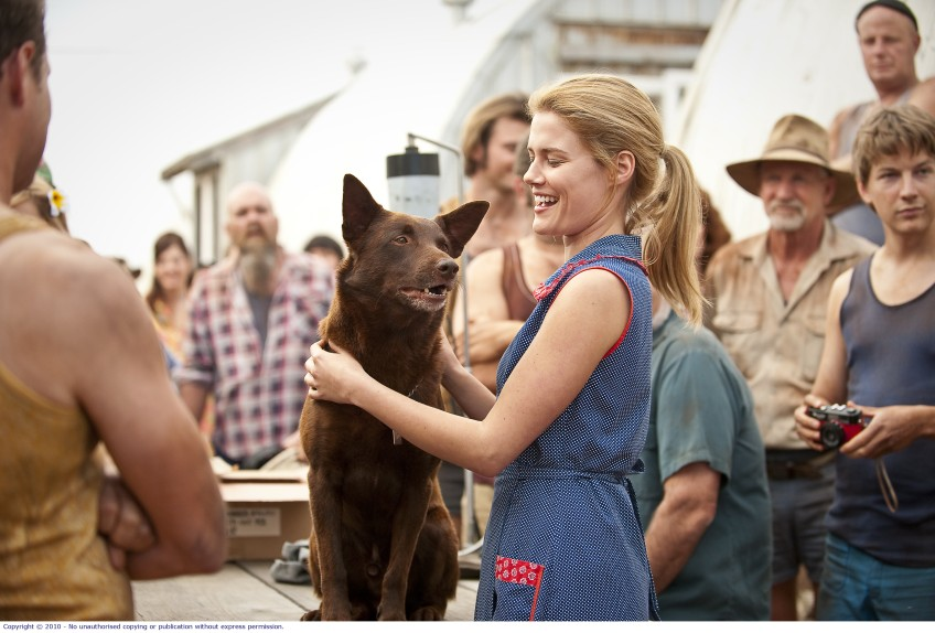 Rachael Taylor and Koko in Red Dog