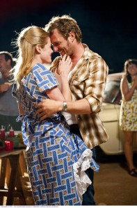 Rachael Taylor and Josh Lucas in Red Dog