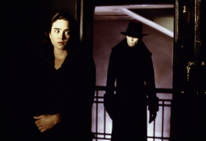 Emma Murdoch (Jennifer Connelly) gets a visit from the Strangers.