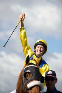 Stephen Curry as jockey Damian Oliver in The Cup.